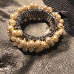 Brand new pearl bracelet